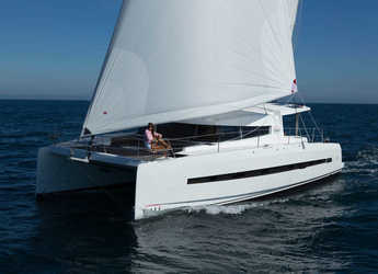 Rent a catamaran in Port Ginesta - Bali 4.5