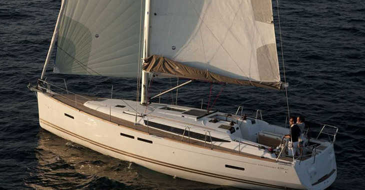 Rent a sailboat Sun Odyssey 439 in Paros, Paros