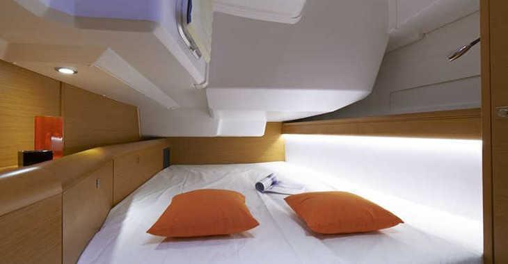 Rent a sailboat in Paros - Sun Odyssey 469
