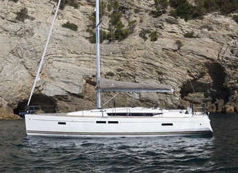 Rent a sailboat in Skiathos  - Sun Odyssey 469