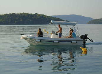 Rent a motorboat in Lefkas Nidri - Asos 5.1