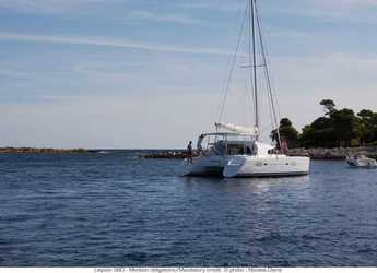 Rent a catamaran in Lefkas Nidri - Lagoon 380 S2