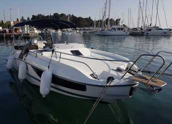 Rent a motorboat in Veruda - Beneteau Flyer 7.7 SUNdeck