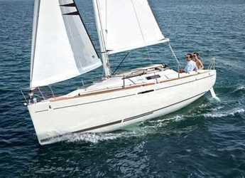 Rent a sailboat in Le port de la Trinité-sur-Mer - First 25 S