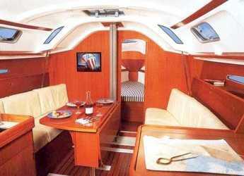 Alquilar velero First 31.7 en Le port de la Trinité-sur-Mer, La Trinité sur Mer
