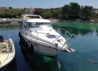 Rent a motorboat in Marina Kornati - Nimbus 280 Coupe