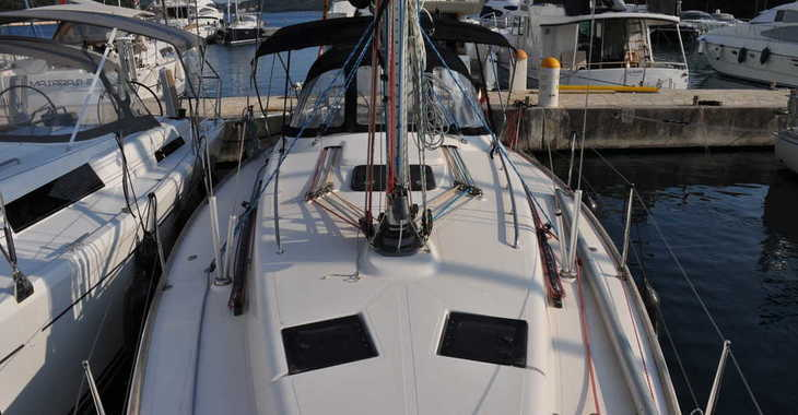 Rent a sailboat in Marina Frapa - Salona 38