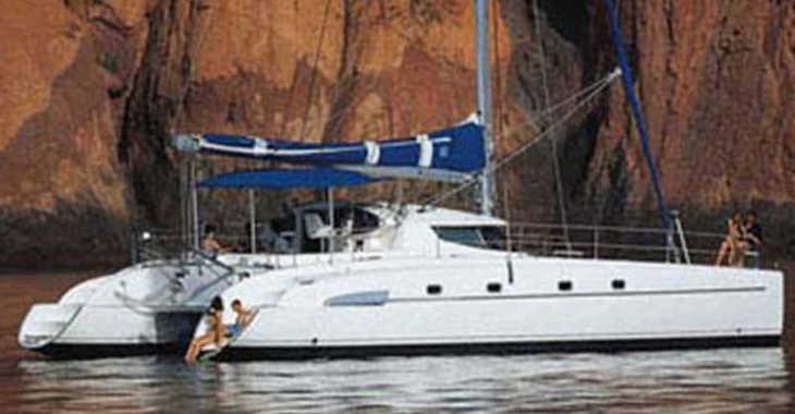 Rent a catamaran in Alimos Marina Kalamaki - Bahia 46