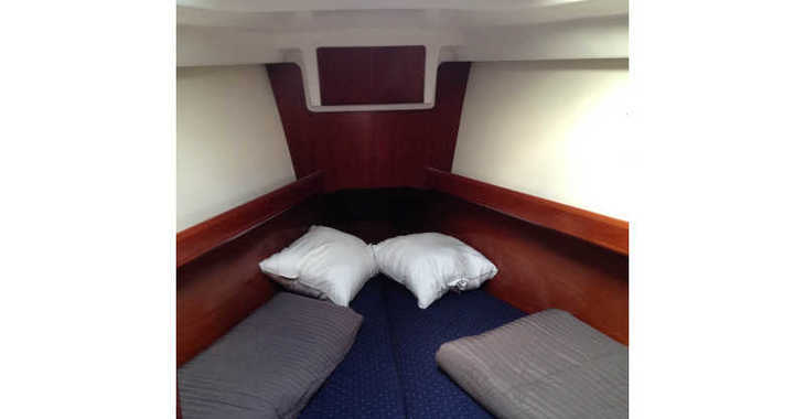 Rent a sailboat in Alimos Marina Kalamaki - Oceanis 373 Clipper