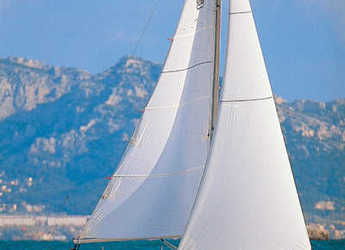 Rent a sailboat in Le port de la Trinité-sur-Mer - Dufour 34