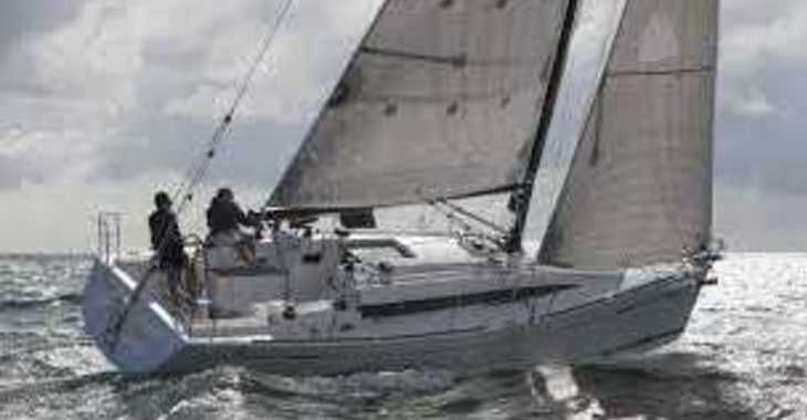 Rent a sailboat in Marina Le Marin - Oceanis 41.1