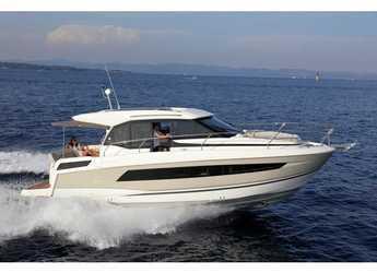 Rent a motorboat in Trogir (ACI marina) - Jeanneau NC 33