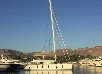 Rent a catamaran in Port Lavrion - Lagoon 620(GEN,AC,WATERMAKER)
