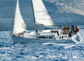 Rent a sailboat in Le port de la Trinité-sur-Mer - Sun Fast 37