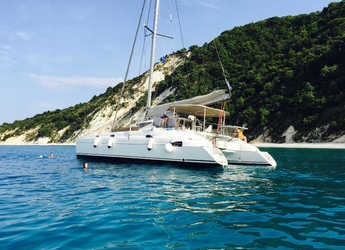 Rent a catamaran in Lefkas Nidri - Athena 38