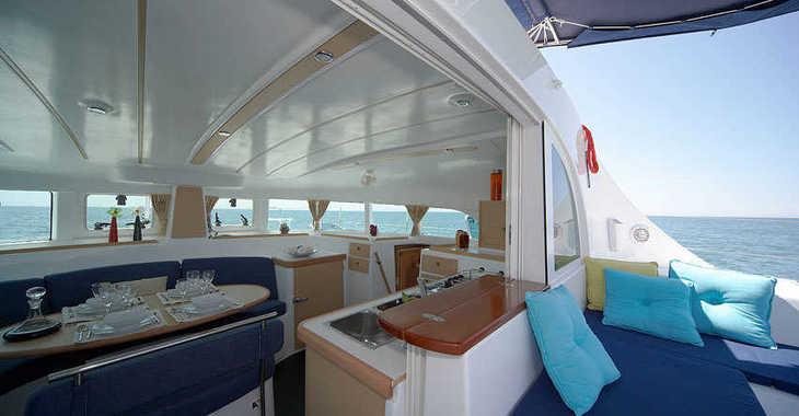 Alquilar catamarán Lagoon 380 en Le port de la Trinité-sur-Mer, La Trinité sur Mer