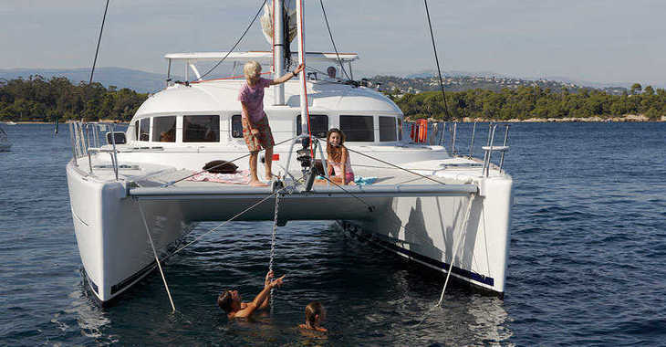 Rent a catamaran Lagoon 380 in Port Louis Marina, Saint George´s
