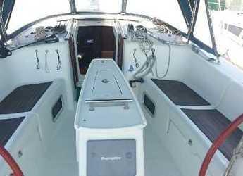 Rent a sailboat in Lefkas Nidri - Beneteau Oceanis 43