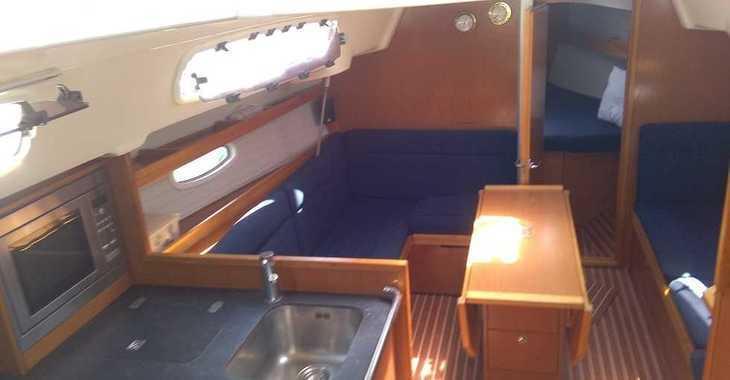 Rent a sailboat in Lefkas Nidri - Bavaria 35