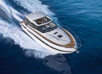 Rent a motorboat in Veruda - Bavaria S40 HT