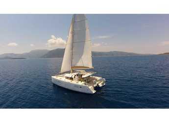 Rent a catamaran in Lefkas Nidri - Lagoon 400