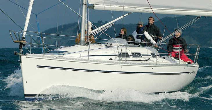 Alquilar velero en ACI Marina - Elan 333