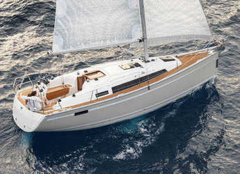 Rent a sailboat in Zaton Marina - Bavaria Cruiser 33
