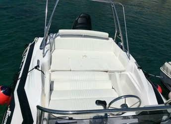 Rent a motorboat Zar 61 Suite in Yacht kikötő - Tribunj, Tribunj