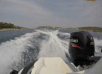 Rent a motorboat Zar 65 CL-Clasic Luxury in Yacht kikötő - Tribunj, Tribunj