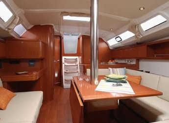 Rent a sailboat Oceanis 37 in Mykonos, Mykonos