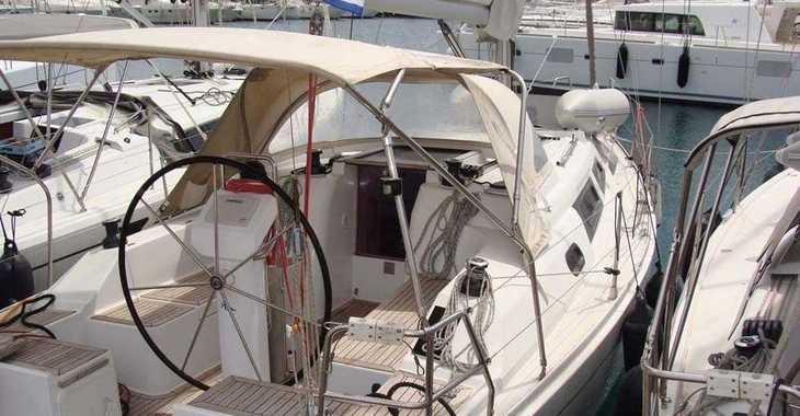 Rent a sailboat Hanse 325 in Alimos Marina Kalamaki, Athens