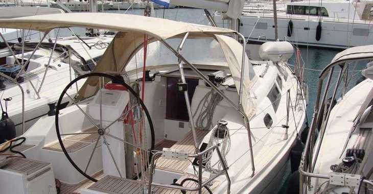 Rent a sailboat in Alimos Marina Kalamaki - Hanse 325