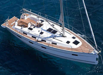 Rent a sailboat Bavaria 40 Cruiser in Port Lavrion, Lavrion