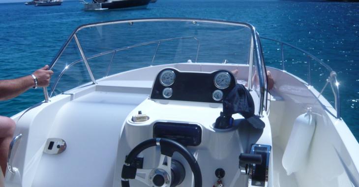 Rent a motorboat in Marina el Portet de Denia - Quicksilver Open 675