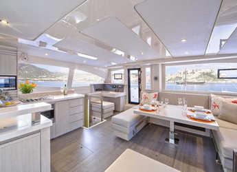 Rent a power catamaran in Eden Island Marina - Leopard 48