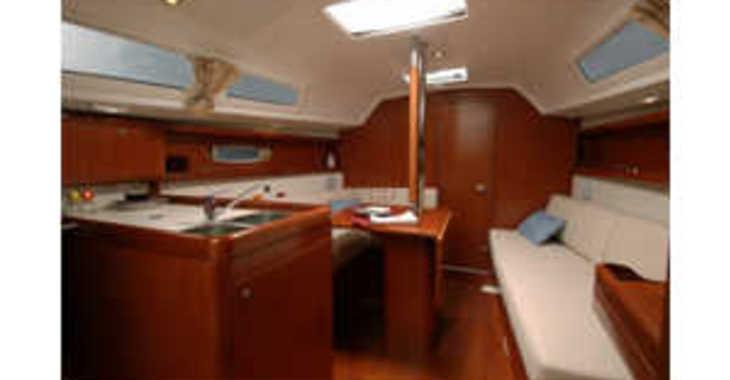 Rent a sailboat in Zaton Marina - Oceanis 31