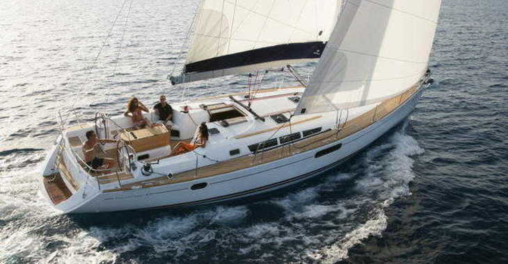 Rent a sailboat in Sea Cows Bay - Jeanneau 439