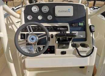 Rent a motorboat Pronautica 790 Slam in Puerto Portals, Calvia