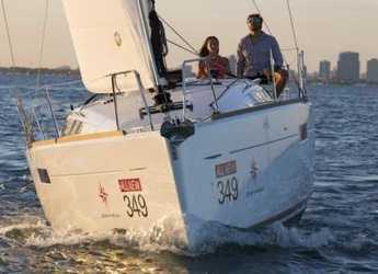 Rent a sailboat in Marina Mandraki - Sun Odyssey 389