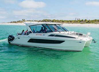 Rent a power catamaran  in Nanny Cay - Aquila 36