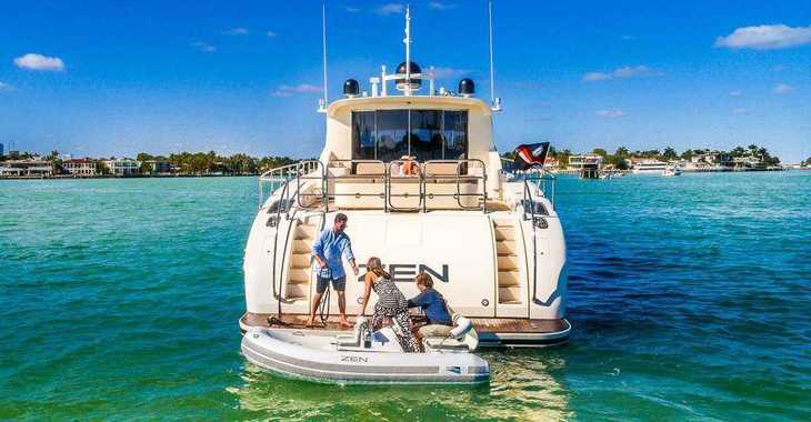 Rent a yacht in Nanny Cay - Leopard 90