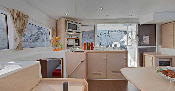 Alquilar catamarán en Zaton Marina - Lagoon 400