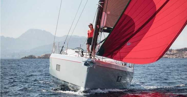 Rent a sailboat in Marina Le Marin - Oceanis 51.1