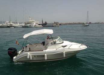 Rent a motorboat Quicksilver 620 Cruiser in Club de Mar, Palma de mallorca