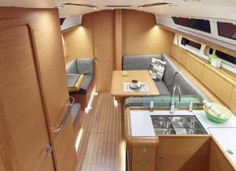 Rent a sailboat in Marina Port Royale - Sun Odyssey 419