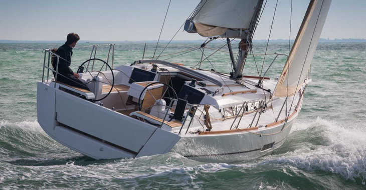 Rent a sailboat in Puerto del Rey Marina - Dufour 35