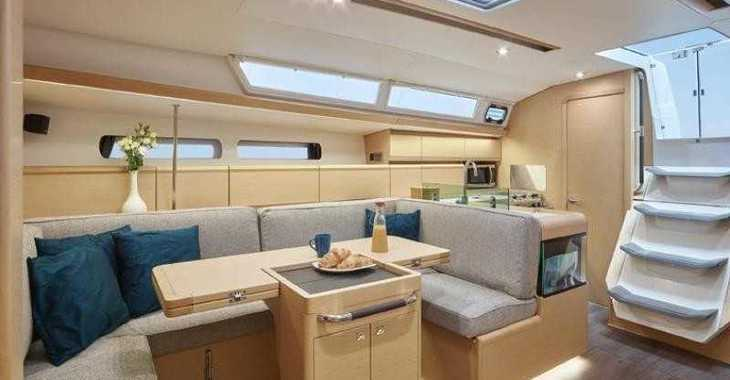 Rent a sailboat in Skiathos  - Sun Odyssey 449