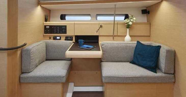 Rent a sailboat in Skiathos  - Sun Odyssey 449