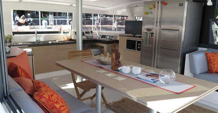 Rent a catamaran in Harbour View Marina - Bali 4.3 Owner Version