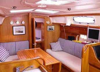 Rent a sailboat Bavaria 32 in Port Corbières, Marseille